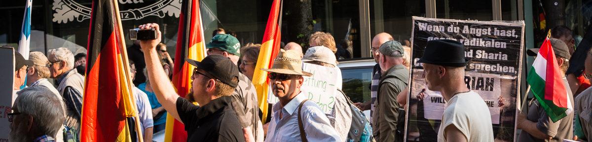Pegida München – Neonazis zum Bahnhof eskortiert