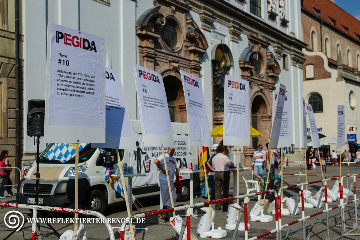 10.08.15 München - Pegida München Infostand