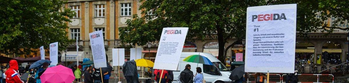 Pegida München – Infoveranstaltung im Regen