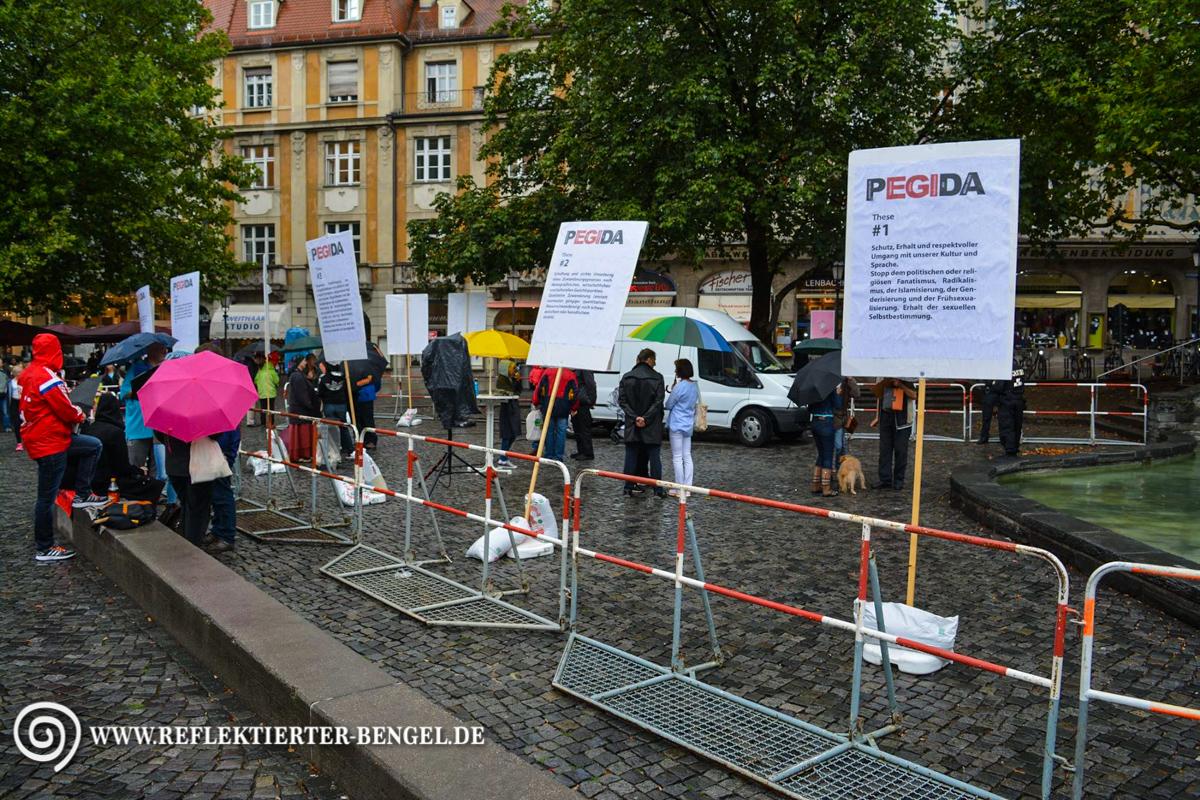 17.08.15 München - Pegida München Infostand