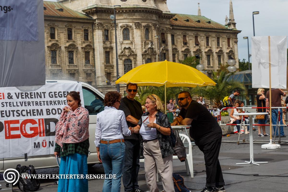 24.08.15 München - Pegida München Infostand