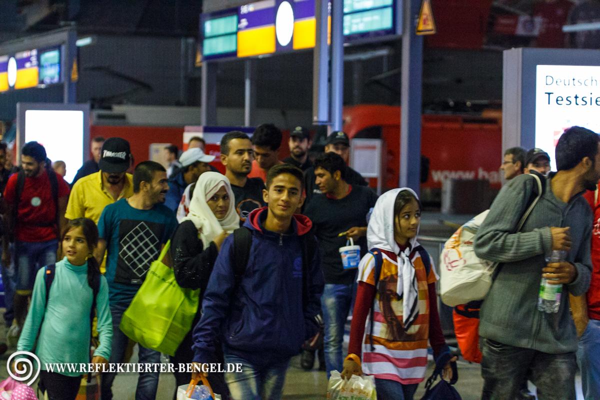 02.09.15 München - Flüchtlinge am Hbf