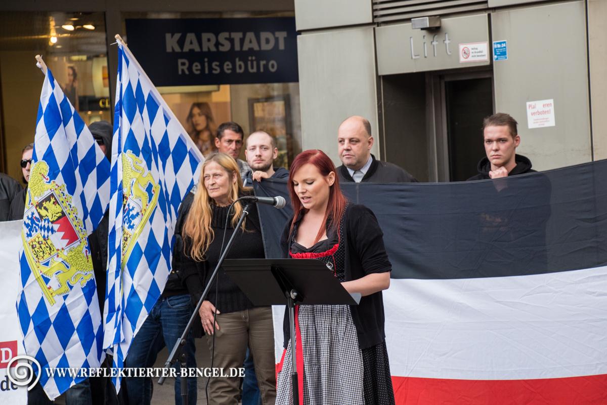 19.09.15 München - Die Rechte Kundgebung, Victoria Grasser, Björn-Christopher Balbin