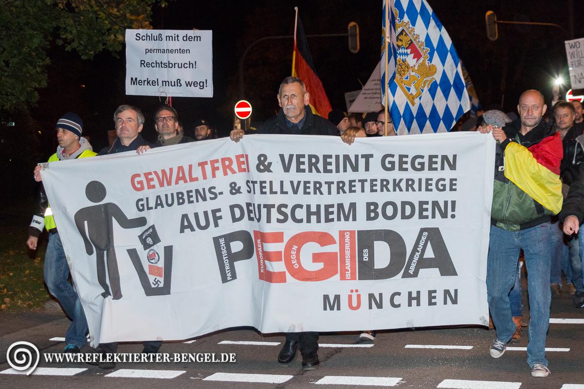 12.10.15 München - Pegida München Peter Meidl