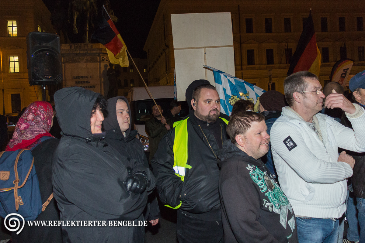12.10.15 München - Pegida München Karl-Heinz Statzberger Petra K. Goesta K.