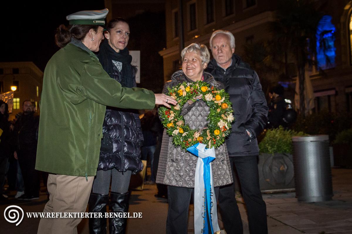 19.10.15 München - Pegida München Maria F.