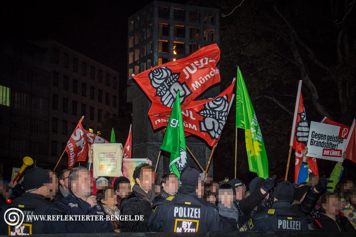 19.10.15 München - Pegida München Platz der Opfer des Nationalsozialismus