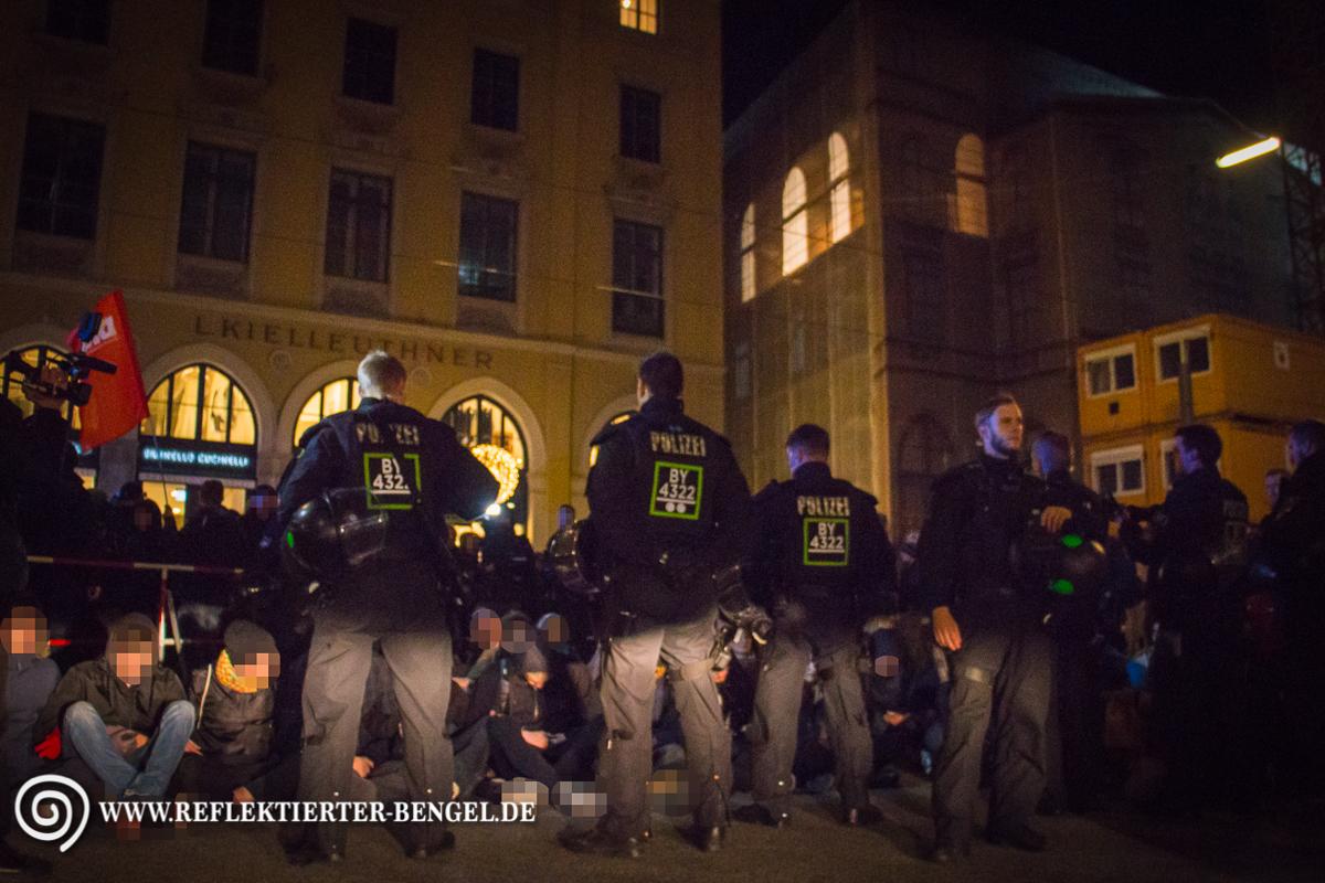 Sitzblockade Pegida München