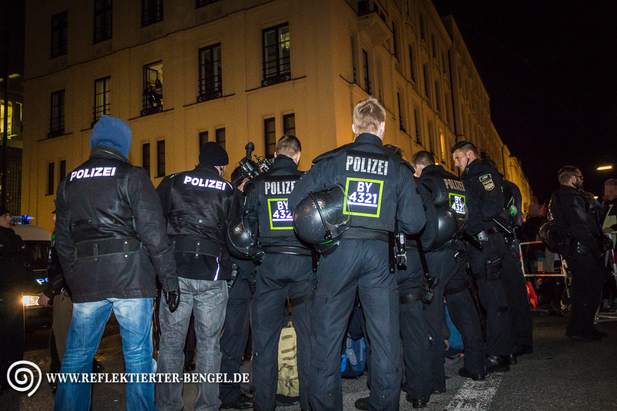 Pegida München Sitzblockade