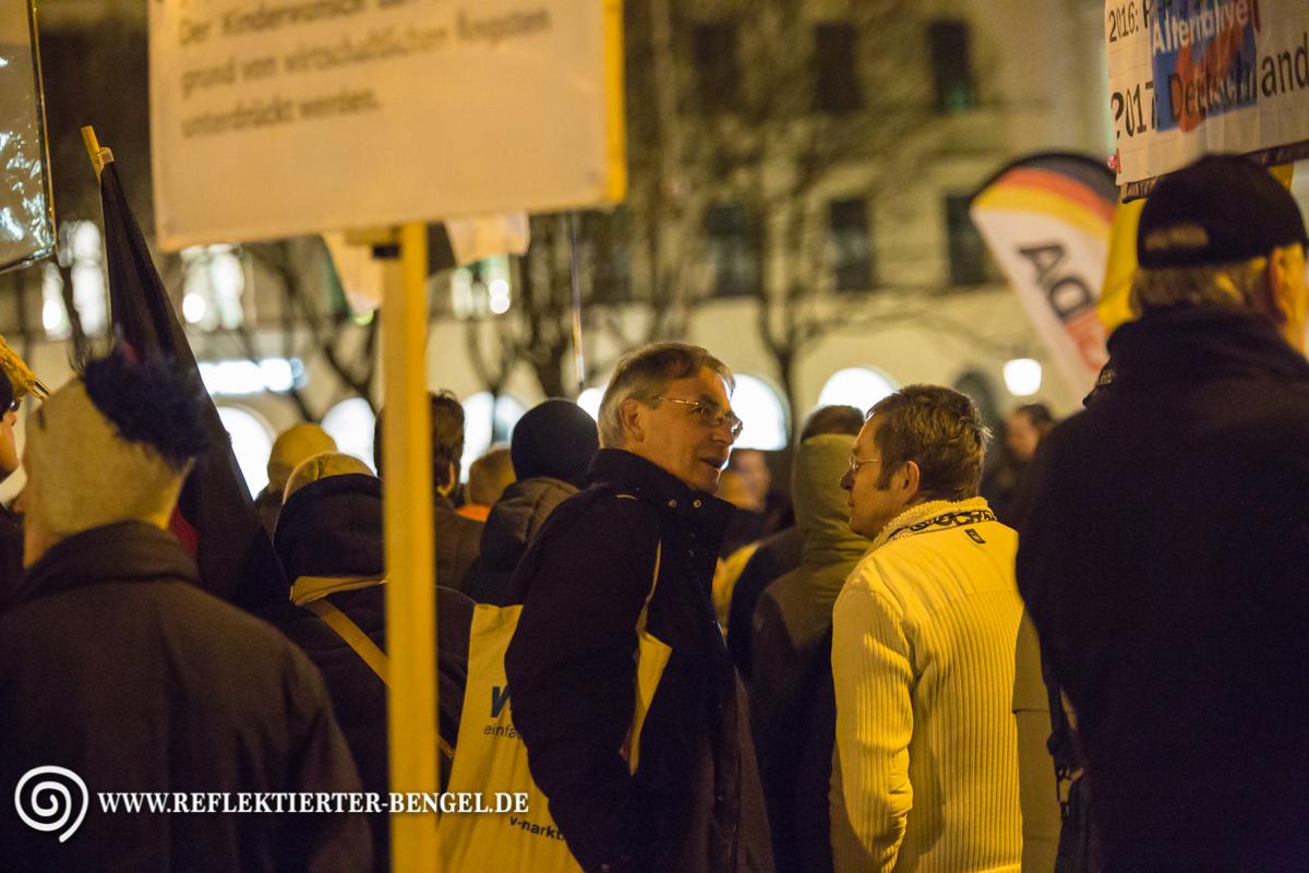 14.03.16 München - Pegida München, Roland Wuttke, Goesta K.