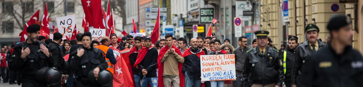 """""""Friedensmarsch"""" für die Türkei"""