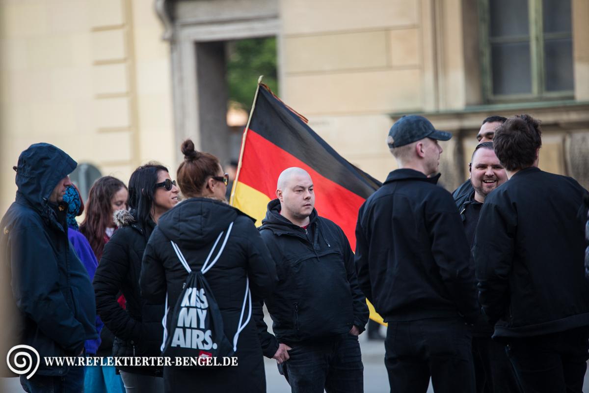 11.04.16 München - Pegida München, Karl-Heinz Statzberger