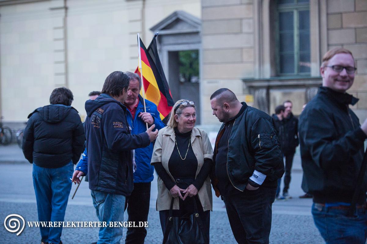 11.04.16 München - Pegida München, Renate Werlberger
