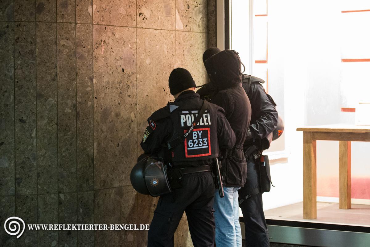 25.04.16 München - Reinhold Elstner Mahnwache, Thomas Schatt