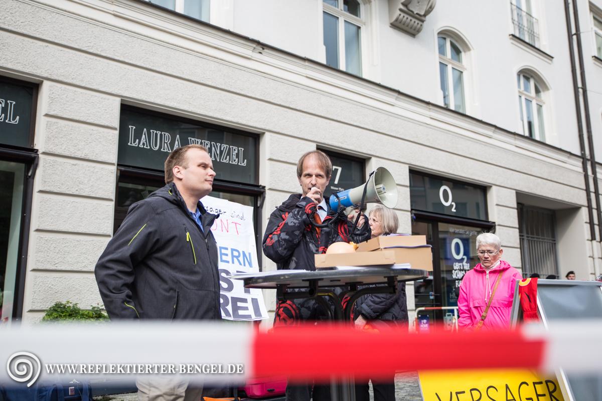 """13.05.16 München - Kundgebung """"Bayern ist frei"""", Stefan Werner, Hartmut Pilch"""