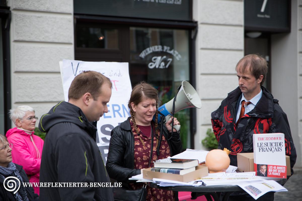 """13.05.16 München - Kundgebung """"Bayern ist frei"""", Stefan Werner, Susanne Andrea H., Hartmut Pilch"""