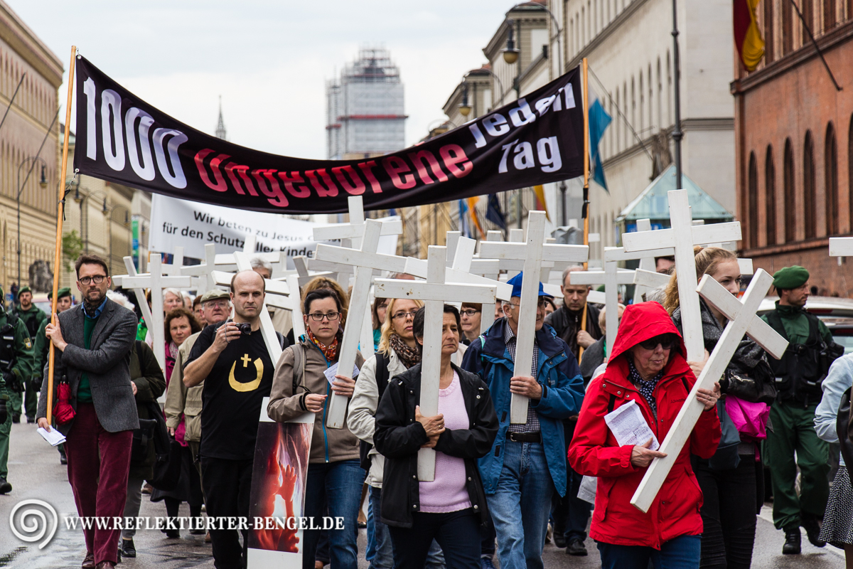 Archivbild: 1000 Kreuze Marsch in München am 09.05.15
