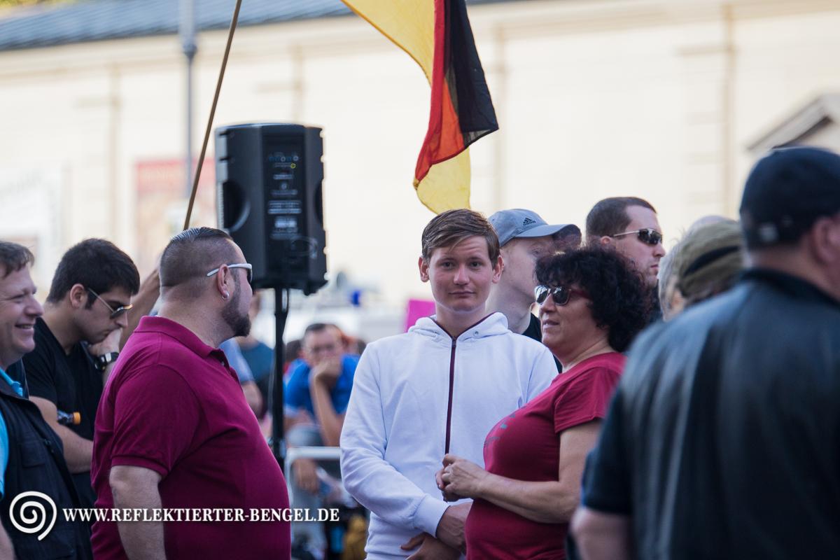 18.07.16 München - Pegida München, Dan Eising, Petra K.