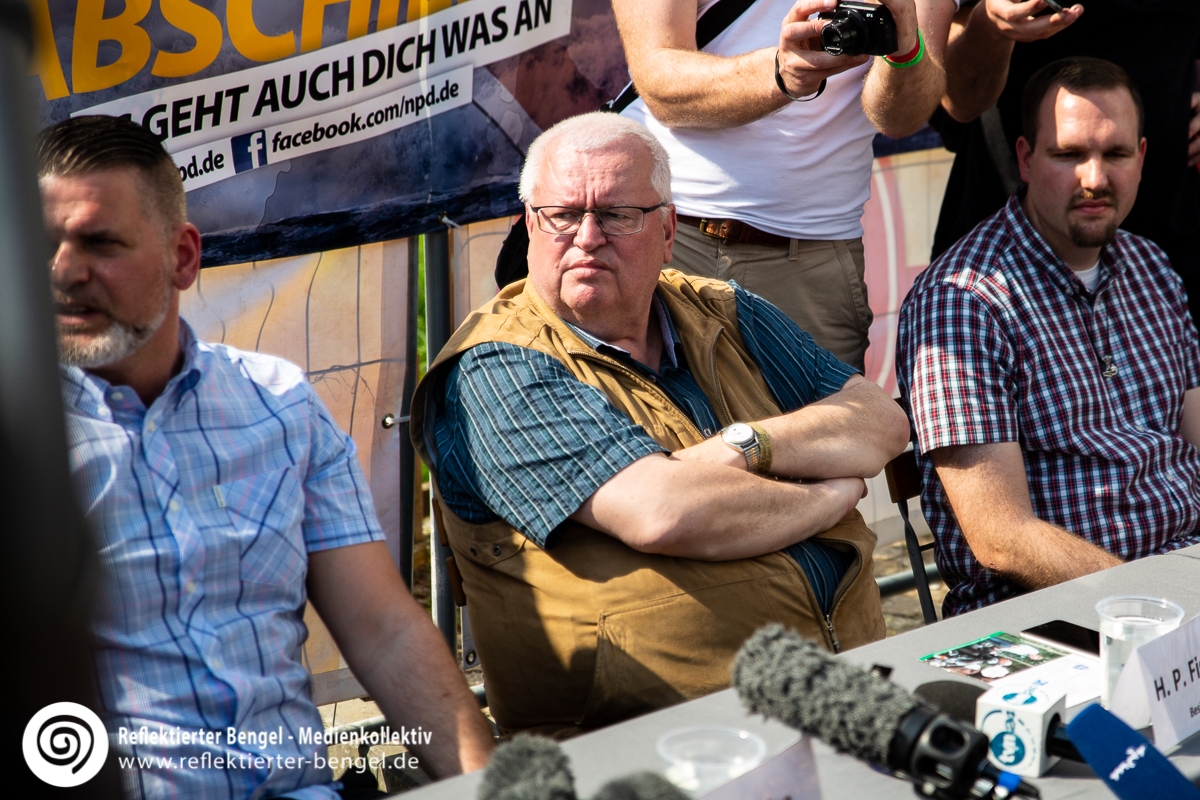 Hans-Peter Fischer Eigentümer des Hotel Neißeblick in Ostritz auf dessen Gelände das Schild und Schwert Festival stattfand - Reflektierter Bengel
